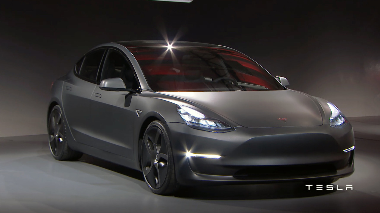 Tesla представила новый седан Model 3 за $  35000