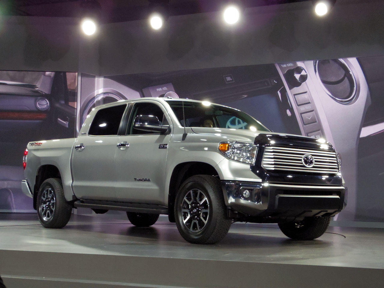 ����� <strong>Toyota Tundra</strong> ������������ � ������