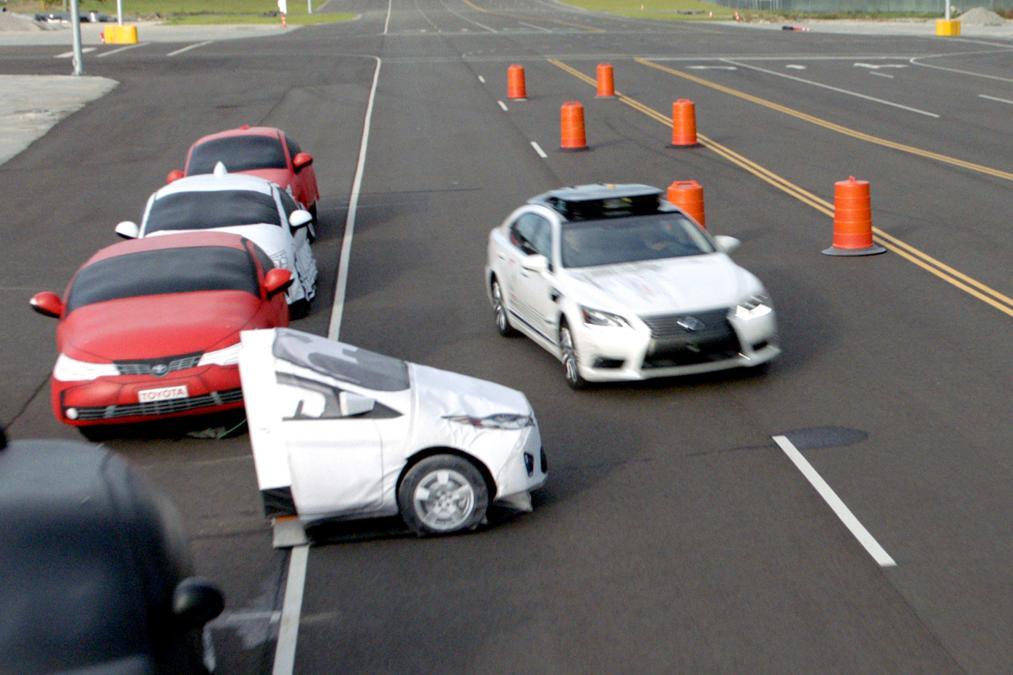 Toyota разработала новый комплекс систем безопасности — Guardian