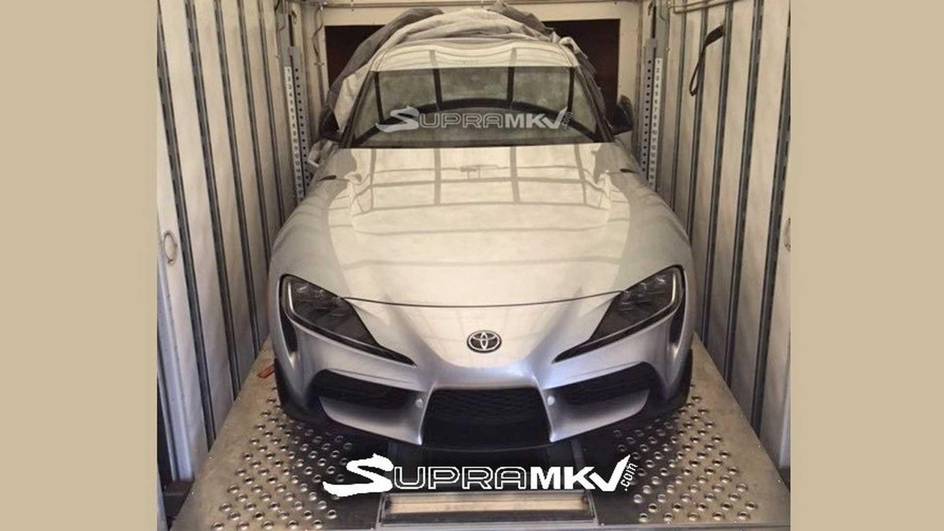 Серийная Toyota Supra сбросила камуфляж