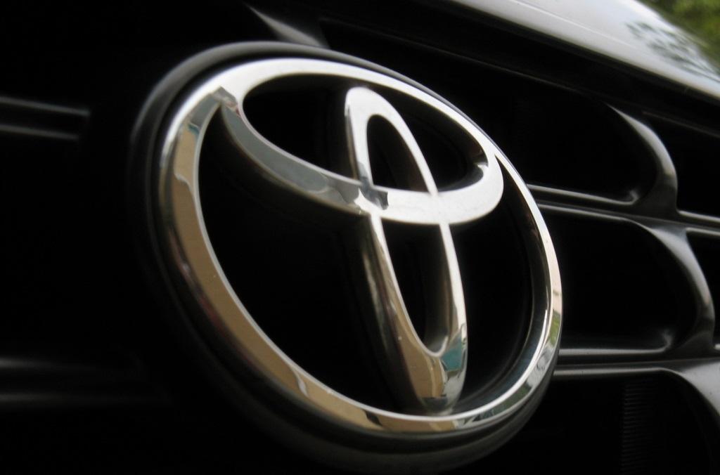 Toyota отзывает 2.9 млн автомобилей из-за подушек безопасности Takata