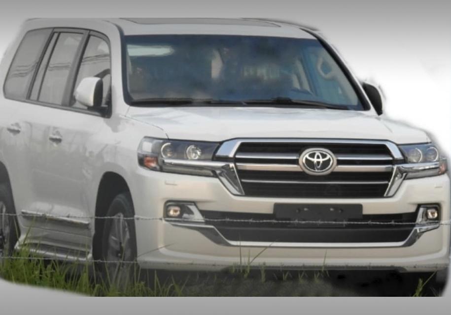 Обновленный Toyota Land Cruiser рассекретили до премьеры