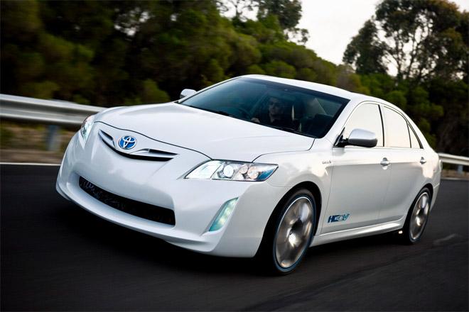 Toyota Camry : новые модификации поколения седана