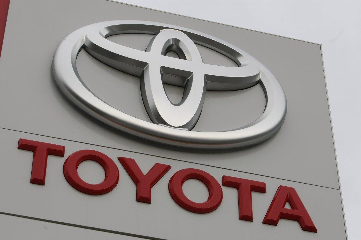 Forbes назвал самые дорогие автомобильные бренды