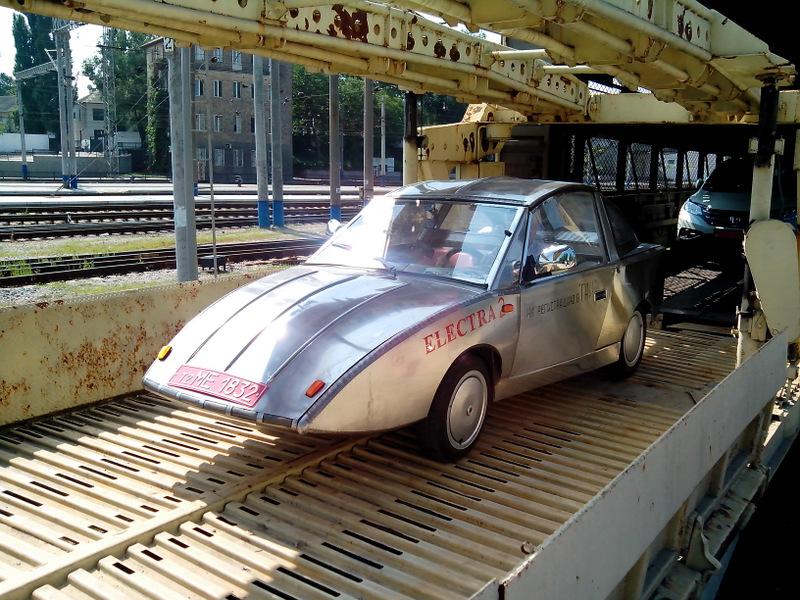 В Крыму стартовал пробег электромобилей