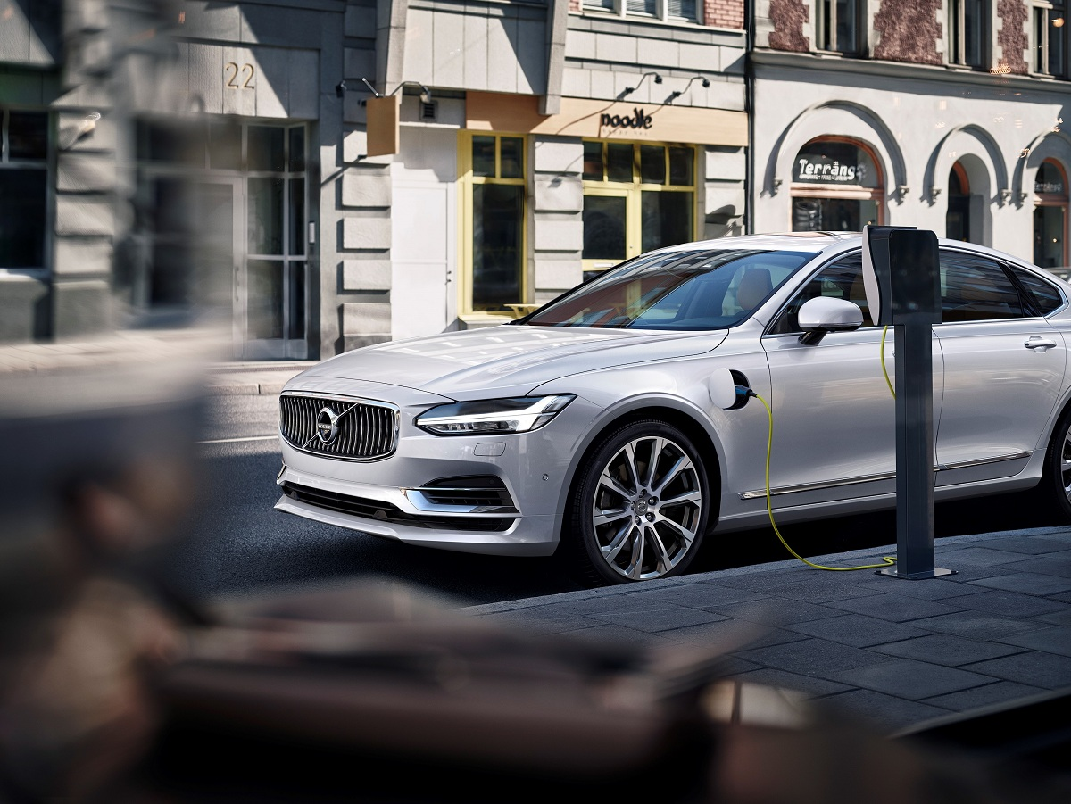 Volvo сделает гибридные версии всех своих моделей