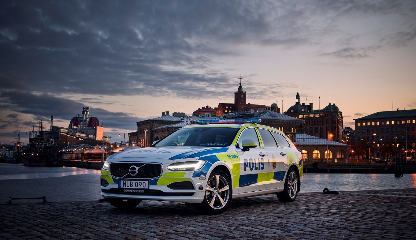 201331_volvo_v90_as_a_police_car.jpg