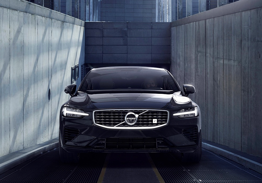 Первые седаны Volvo S60 T8 Polestar Engineered распродали за 39 минут