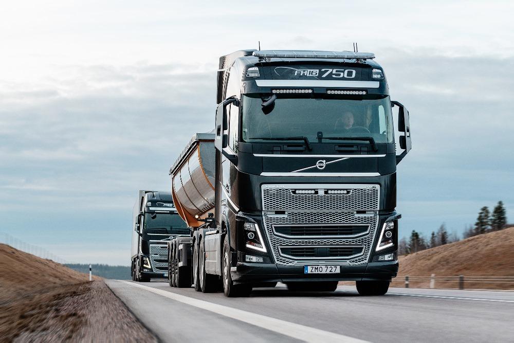 Серийные грузовики Volvo обзавелись системой предупреждения о столкновении