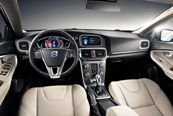 Volvo V40 интерьер