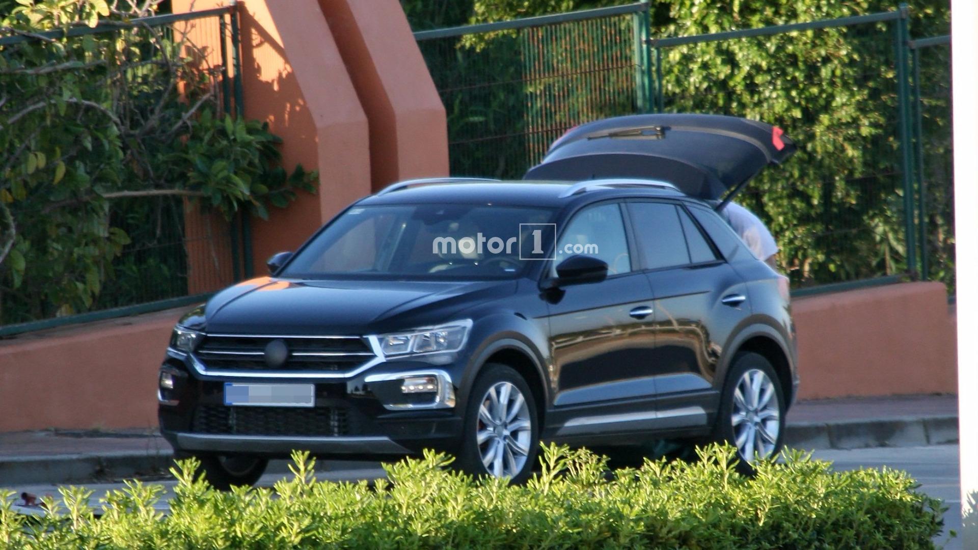 Volkswagen T-Roc засветился на шпионских снимках