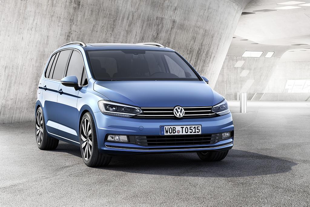 Новый Volkswagen Touran уже в Украине: названы цены и комплектации
