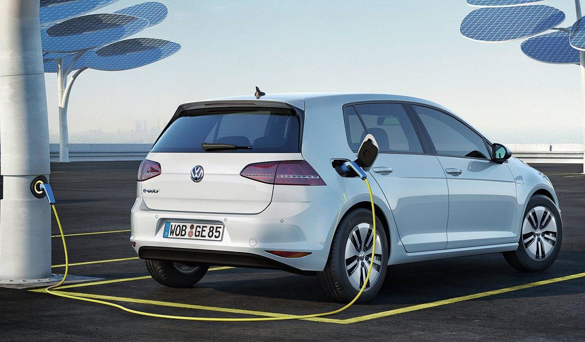 Фольксваген покажет бюджетный электромобиль встолице франции