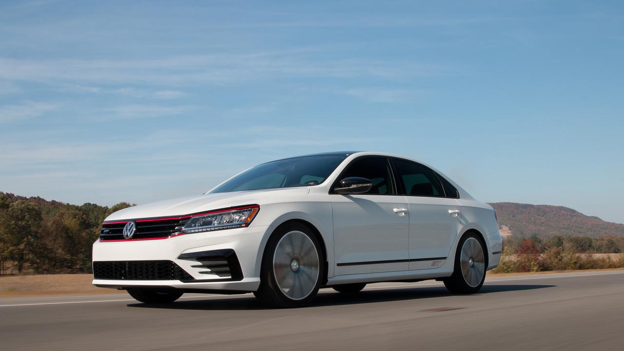 VW Passat GT Concept показал каким будет «заряженный» седан