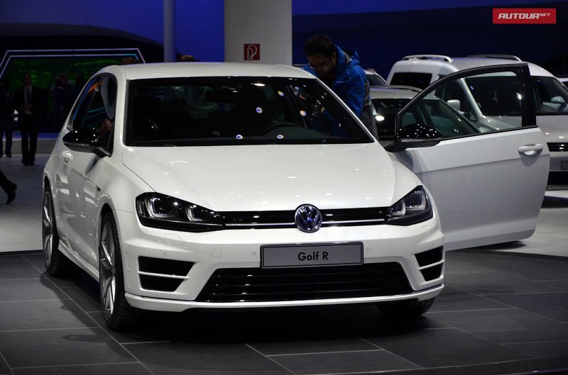 http://autonews.autoua.net/media/uploads/vw/volkswagen_golf_r_(3).jpg